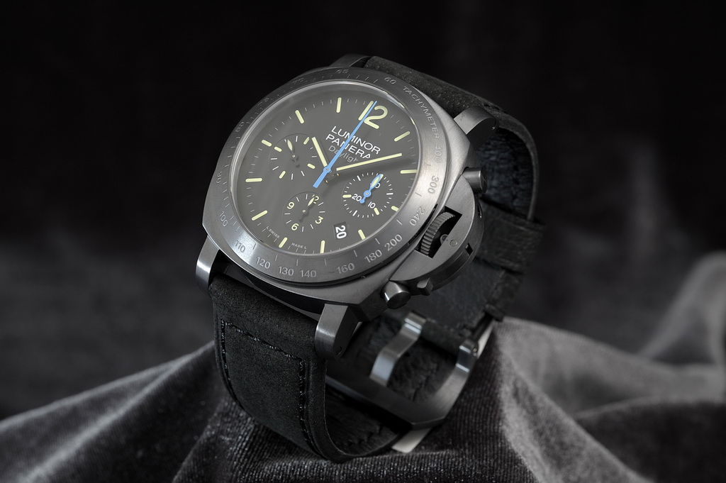 http://www.9maiali.com/sellingpost_pic/watches/11Z032-W/larger/11Z032-W_04.jpg