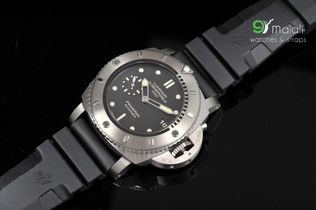 Panerai PAM 364 Luminor Submersible 2500m 3-days Titan 1950 47mm, SE ...